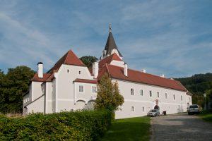 Schloss mit Pfarrhof in Kirnberg an der Mank